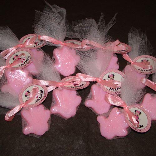 Jabones manitos color rosa en tul